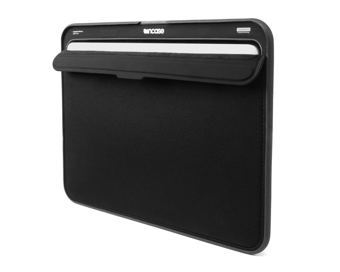 Incase ICON Sleeve with Tensaerlite for MB Retina 13 - Black
