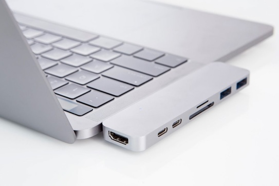 Hyper - Thunderbolt 3 USB-C hub for new MacBook Pro – Silver